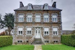 Landelles-et-Coupigny property