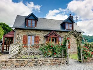 5 bed house for sale in Cherence-le-Roussel...