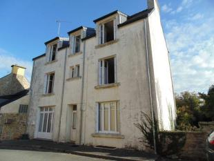 4 bed house for sale in Querrien, Finistere...