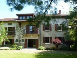 8 bedroom property in La Chapelle-en-Vercors...
