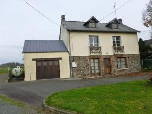 3 bedroom home in Isigny-le-Buat, Manche...
