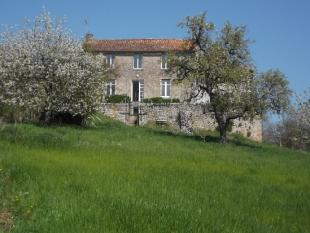 3 bedroom property in Louin, Deux-Sevres...