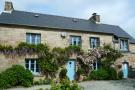 4 bedroom house in Berrien, Finistere...