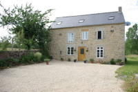 3 bedroom home in Yvignac La Tour...
