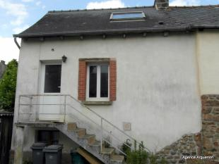 2 bedroom property in Plouasne, Bretagne...