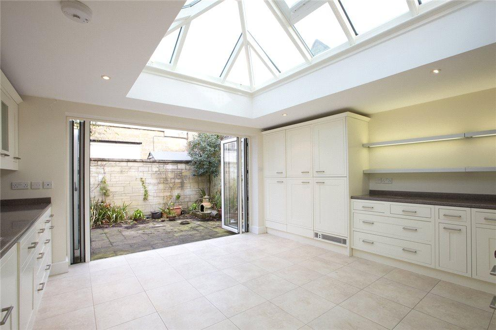 Kitchen Atrium
