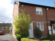 2 bedroom End of Terrace property in Malvern Close...