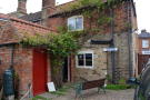 2 bed Cottage in Church Street...