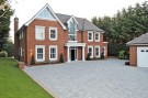 6 bedroom new house in Dorney Wood Road...