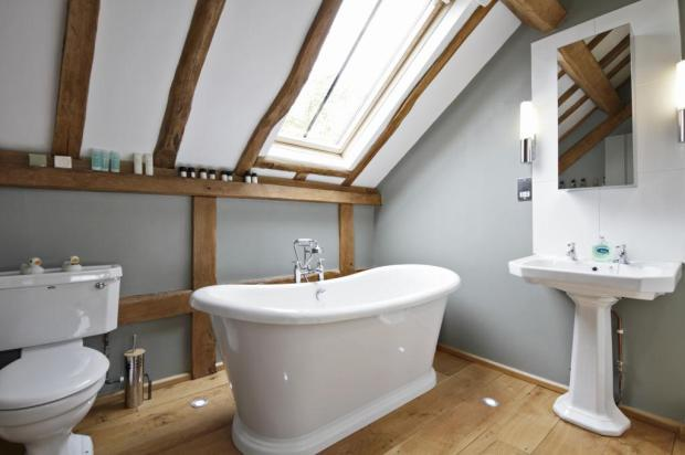 4 bedroom barn conversion for sale in bridges stone for Barn conversion bathroom ideas