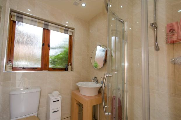 12 Shower Room