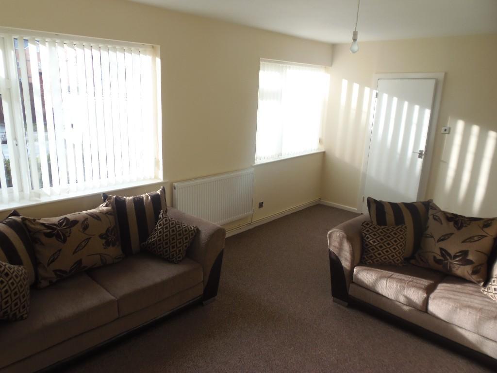 1 bedroom ground floor flat to rent in brook road