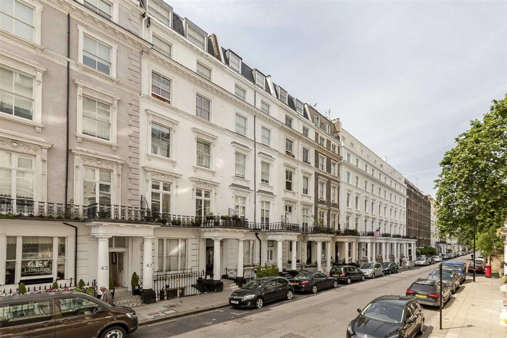 3 bedroom flat for sale in queensborough terrace london w2 for Queensborough terrace