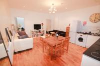 2 bed Flat in Fashion Street...