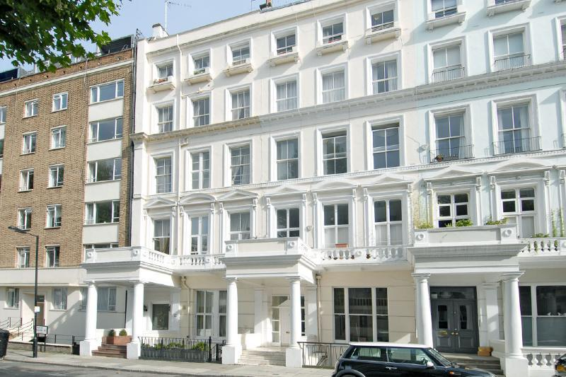 1 Bedroom Flat For Sale In Leinster Gardens Bayswater W2 W2