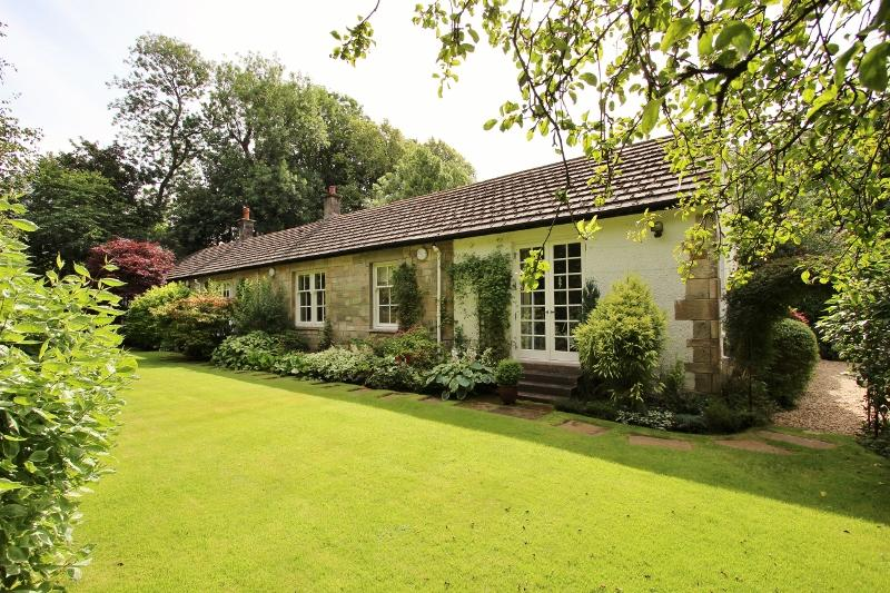 3 Bedroom Detached Bungalow For Sale In Gleniffer Cottage