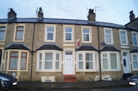 2 bedroom Terraced home to rent in Roseberry Avenue...