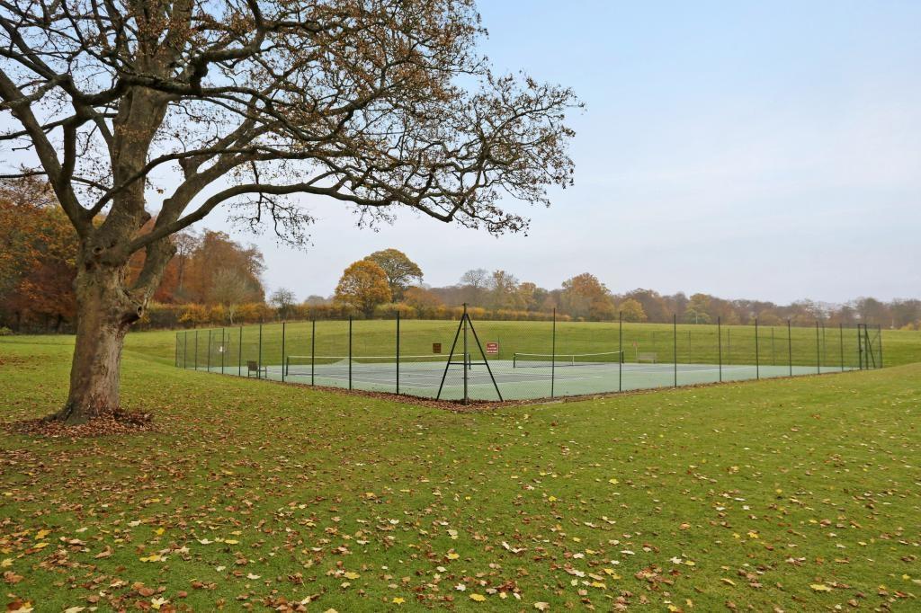 communal tennis c...