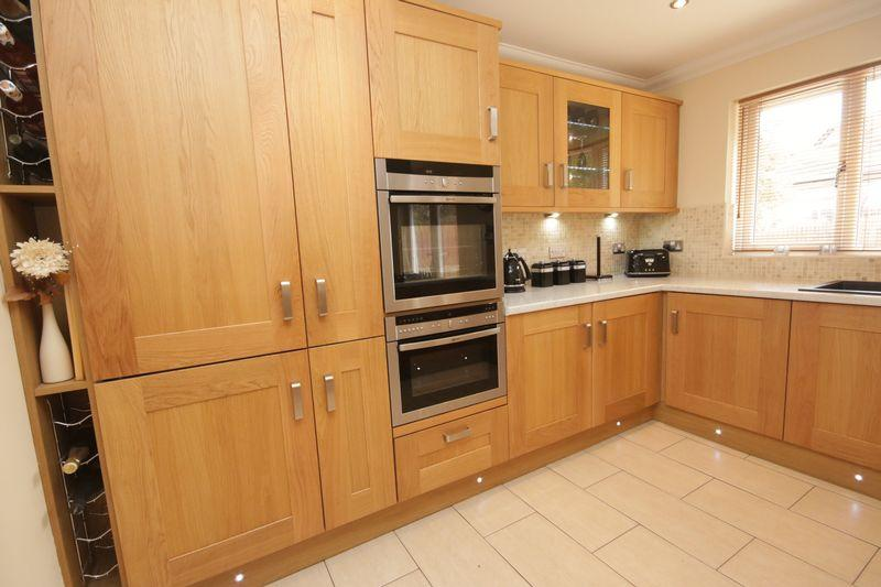 Kitchen (2)