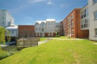 2 bedroom Flat in Waters Edge, Barton Mill