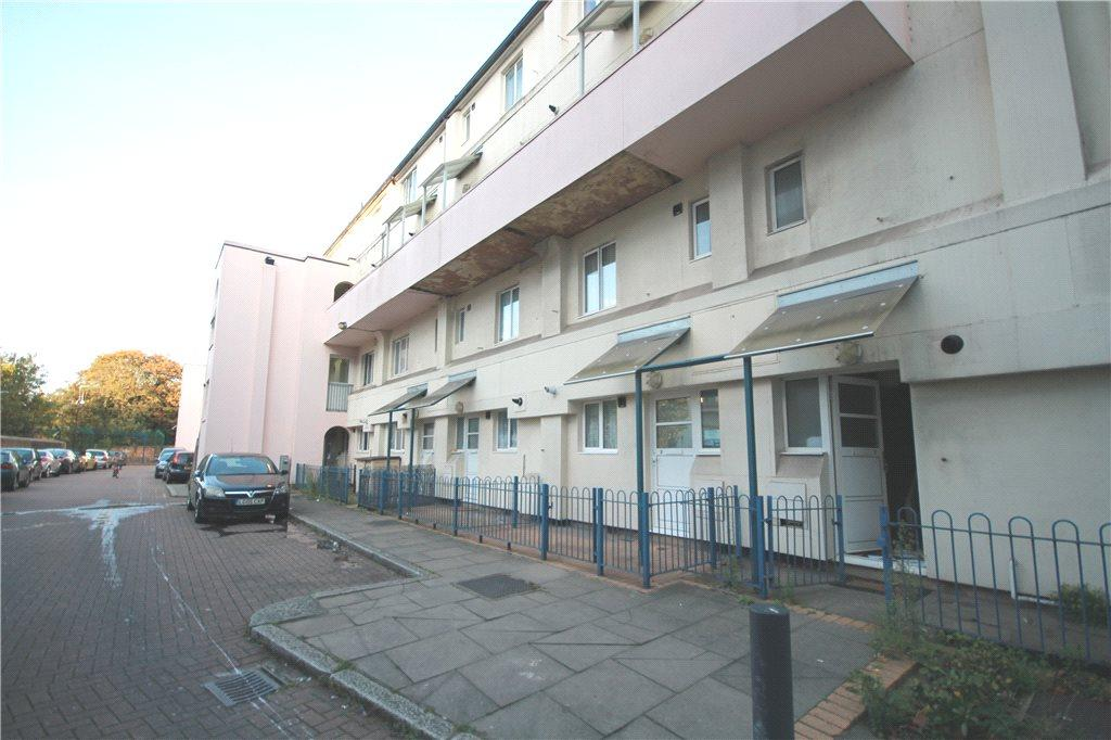 2 Bedroom Apartment To Rent In Boston Manor Road Brentford Middlesex Tw8 Tw8