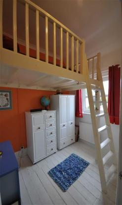 Mezzanine Bedroom 4