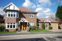 5 bedroom Detached property in Langham Close BR2