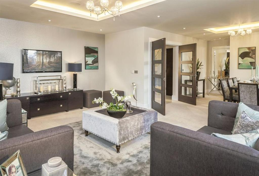 2 bedroom detached house for sale in the common stanmore for Show home living room designs
