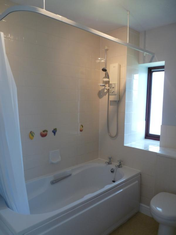 Glenavon Court  New Bath ()