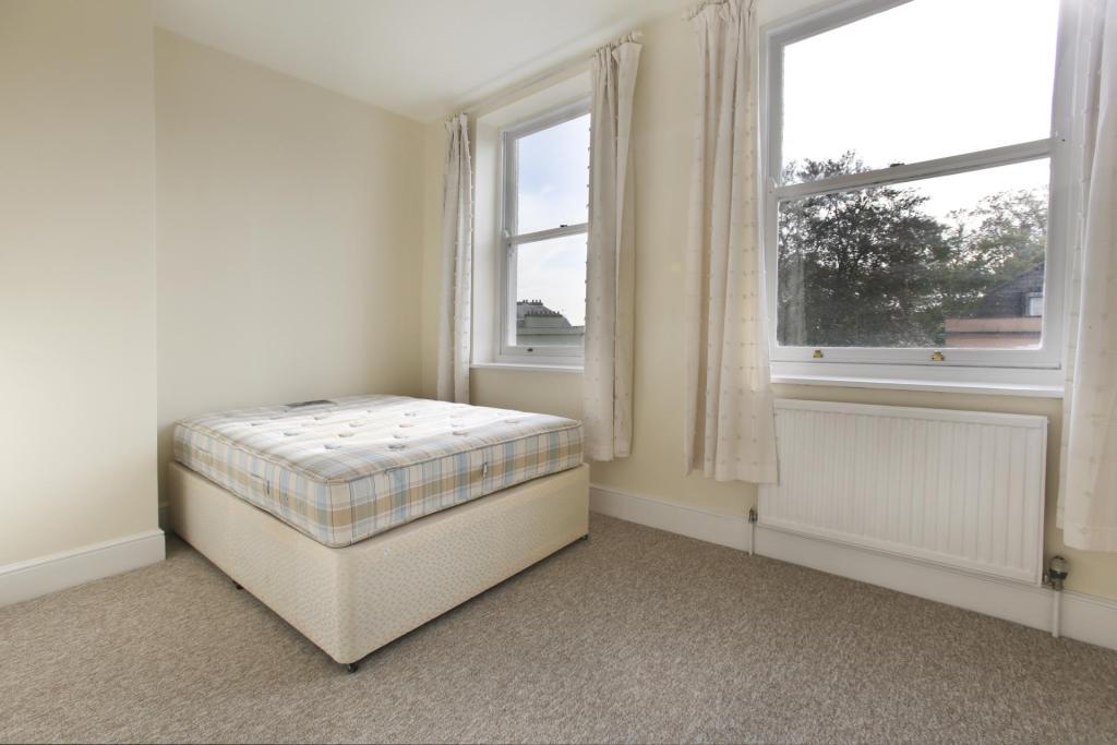 Bedroom ()