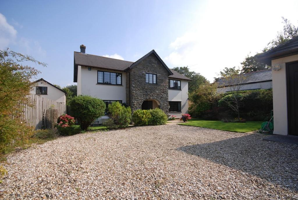 5 bedroom detached house for sale in trerhyngyll nr