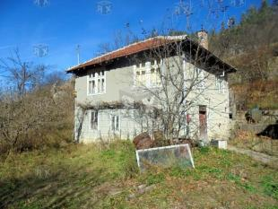 3 bed house for sale in Plachkovtsi Town...