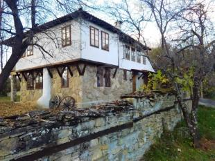 house for sale in Kalomen...