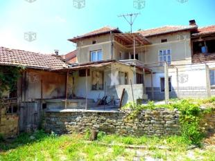 5 bedroom home in Gostilitsa...