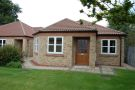 Semi-Detached Bungalow to rent in 5 Cottage Green...