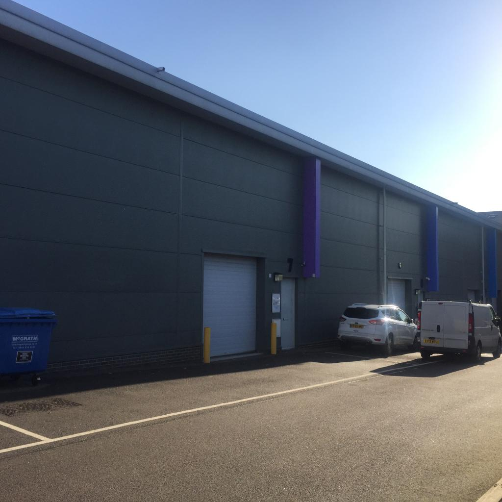 Warehouse To Rent In Unit 7 Dagenham Business Centre