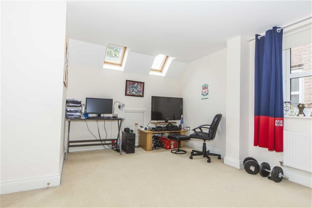 Bedroom six/games ro