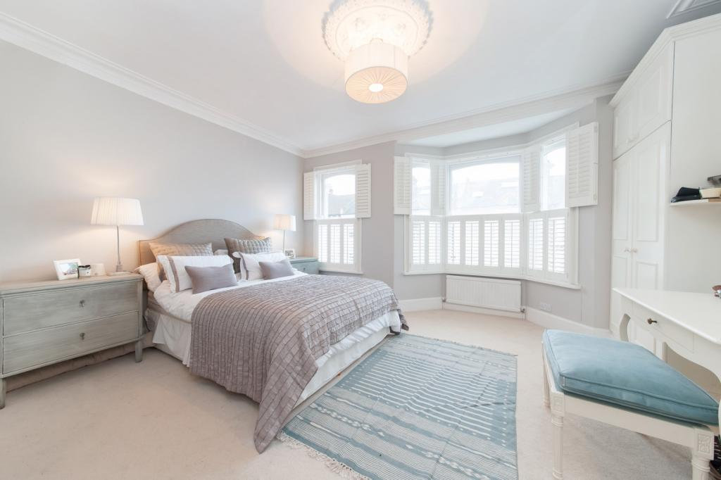 Master bedroom (Main