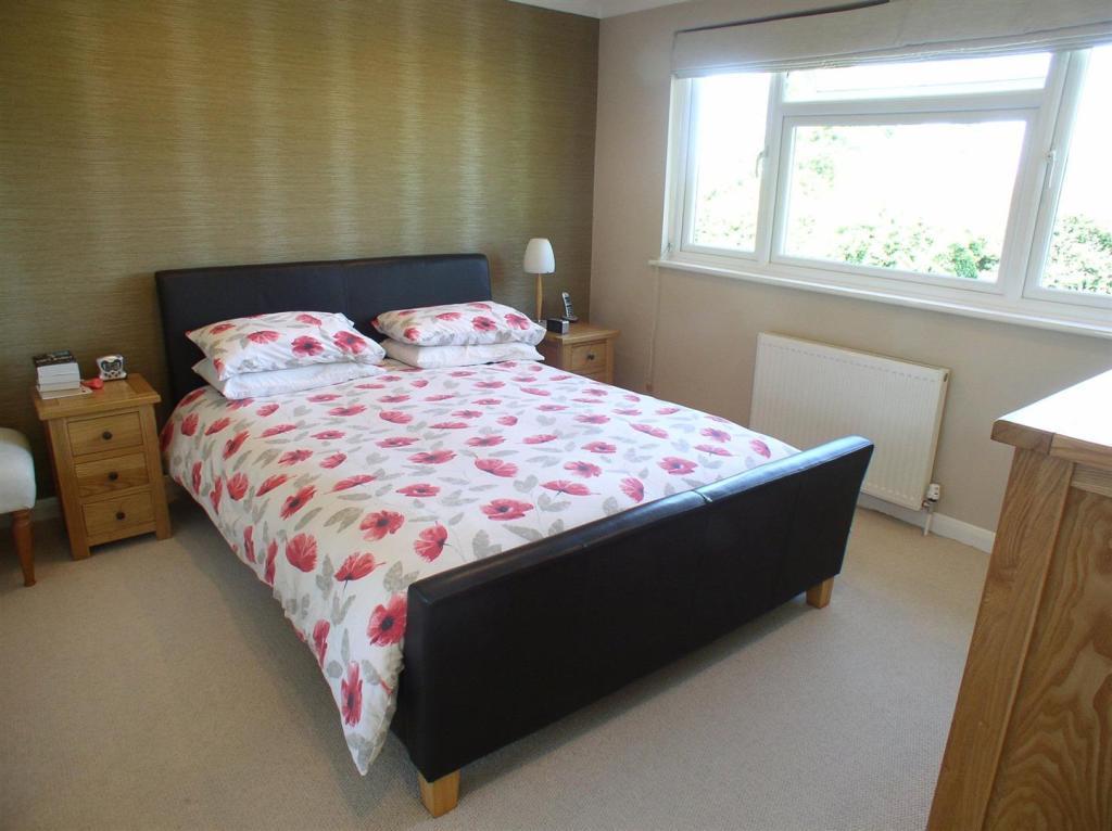 28 St Martins Bed1.j