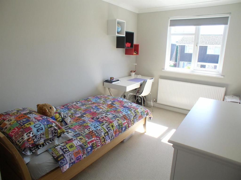 28 St Martins bed4.j
