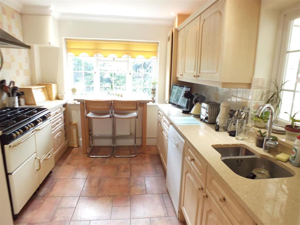 1a Crossway kitchen.