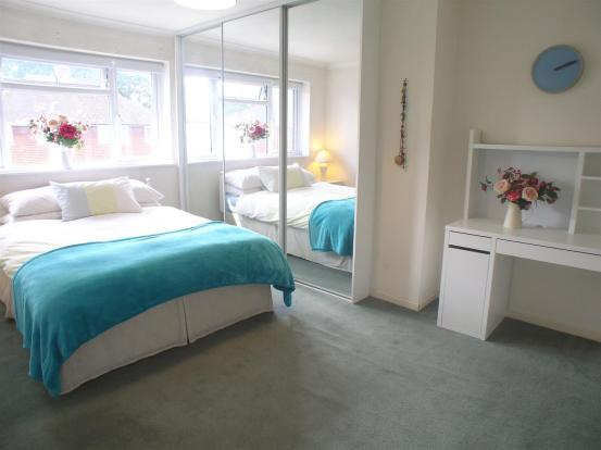 44 Wolsey Drive bed