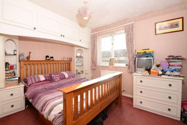 47 Telford Drive bed