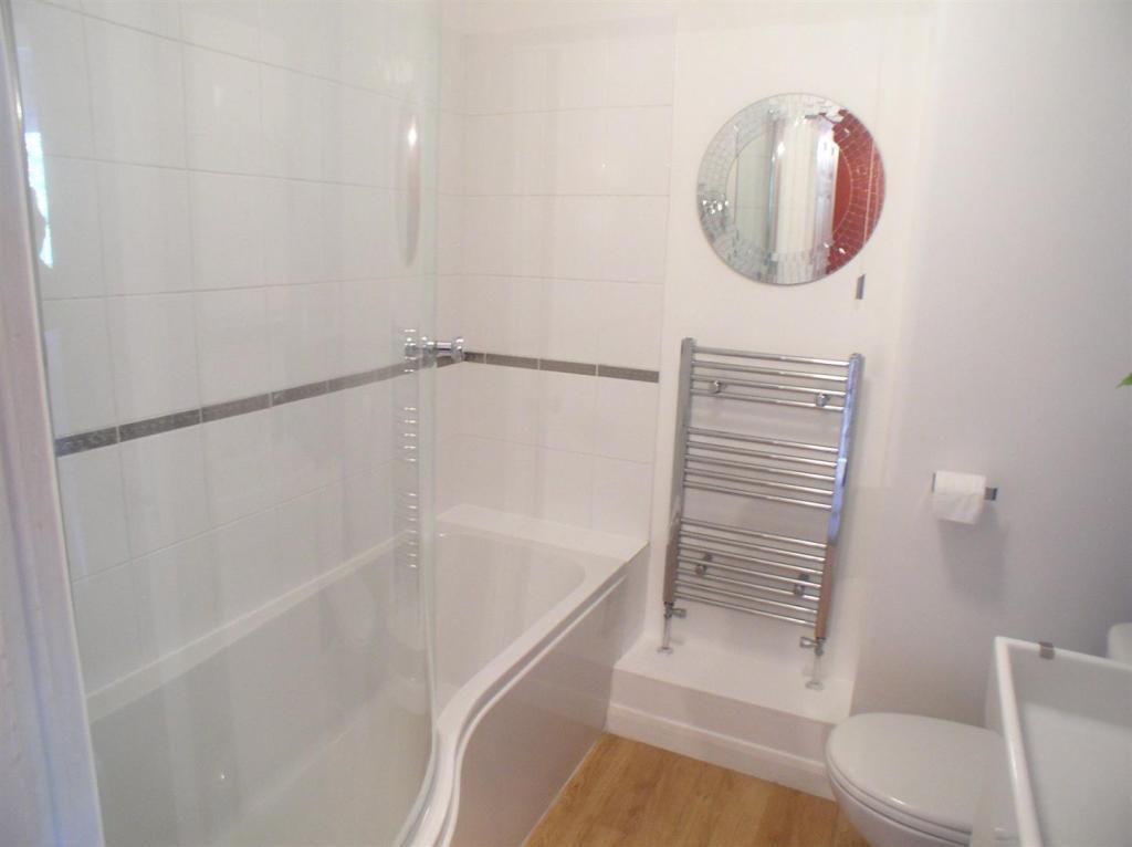55 Shaw Drive bathro