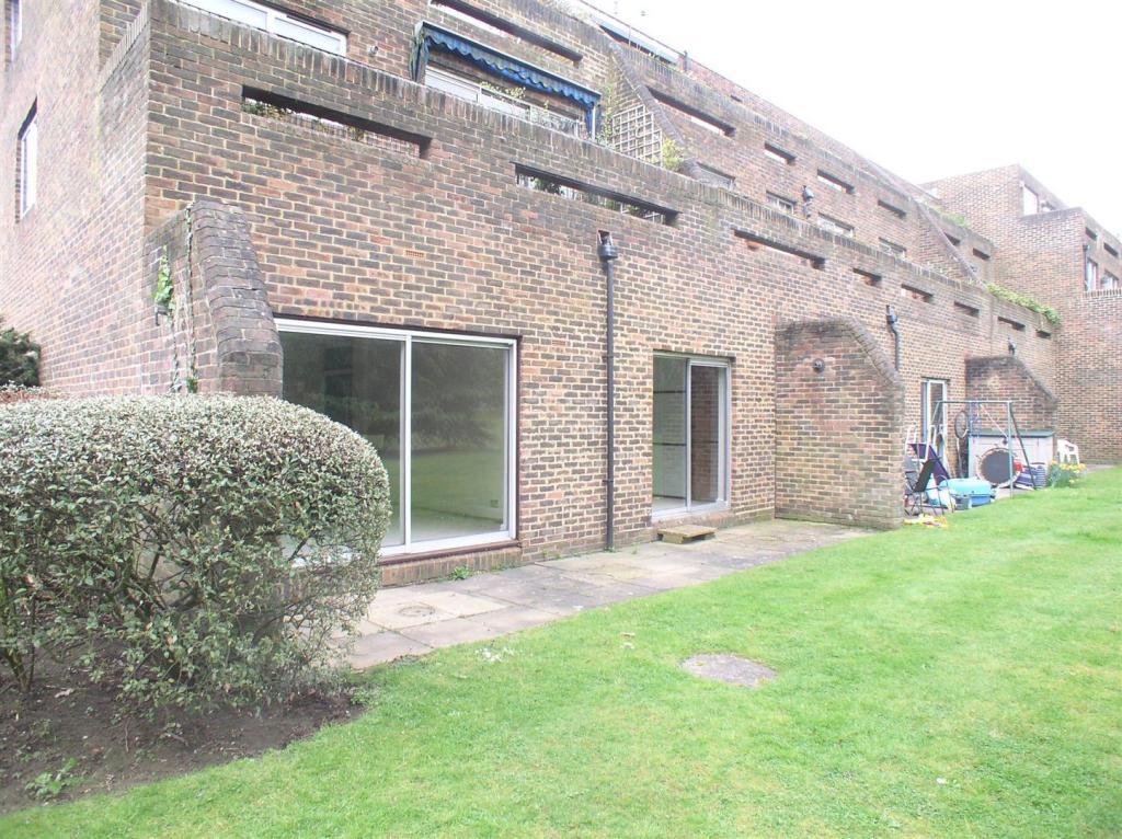 1 Stroudwater Park -