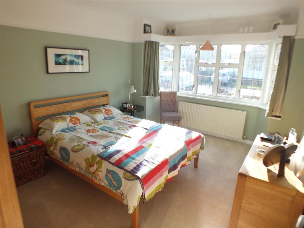 23 Shaldon Way bed1
