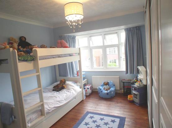 22 Braycourt ave bed