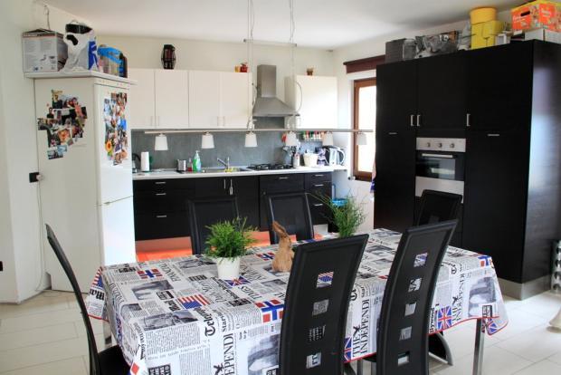 Kitchen / Dinning