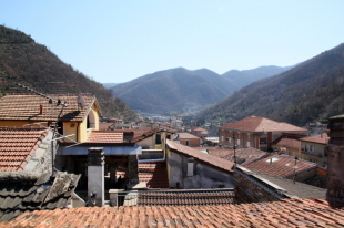 12 bed Town House for sale in Liguria, Imperia...
