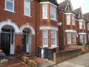Flat in Flat   Goldington Avenue...